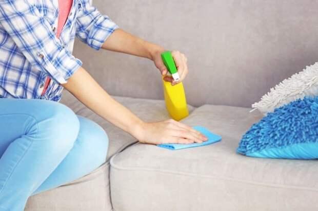 Очистка мягкой мебели от пятен