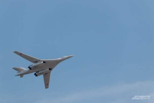Два Ту-160 выполнили восьмичасовой полет над Балтийским морем