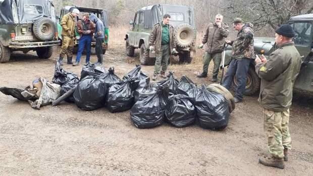 За сутки из лесов Крыма вывезли более 80 кубометров мусора