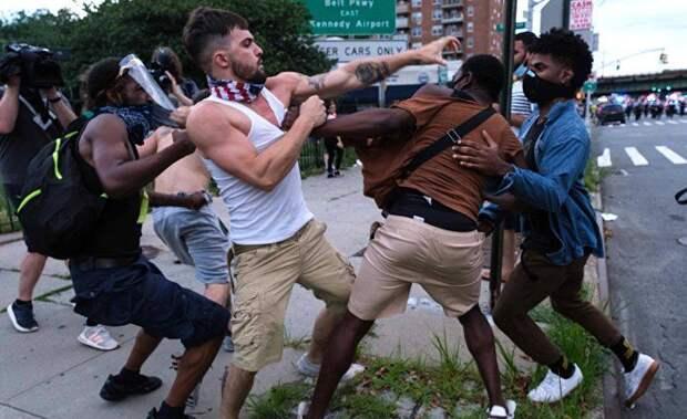 Разворот Америки влево: общество принудительной политкорректности?