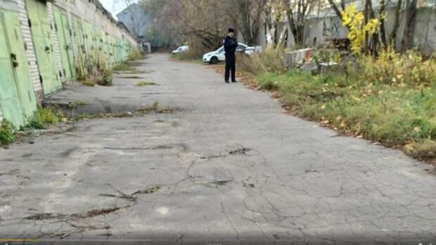 Полиция нашла гараж по разбору угнанных иномарок в Петергофе