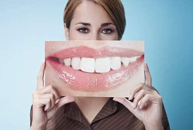 Как отбелить зубы дома быстро и эффективно