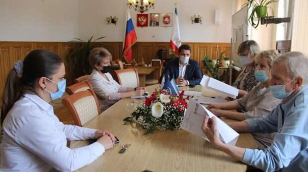Борис Селютин провел заседание Комиссии по наградам