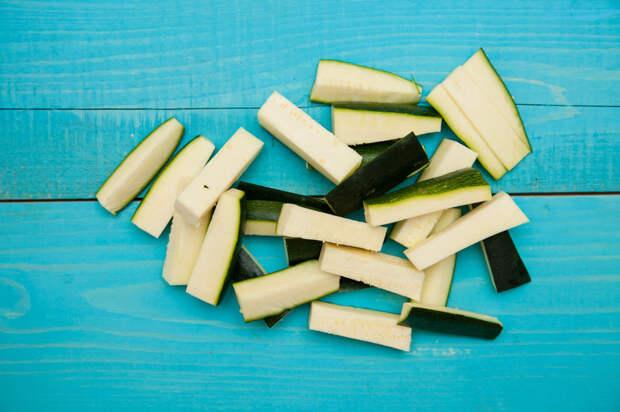 Необычные палочки из кабачков