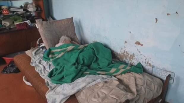 «Грабили свою же мать»: в Приморье завели уголовное дело на сыновей вдовы ветерана