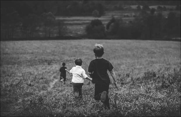 Детская зависть: больше вреда или пользы?