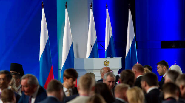 Россия стала бы Империей, но Путину мешают оковы