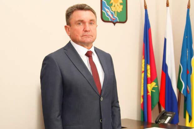 Глав двух районов и их заместителей задержали на Кубани