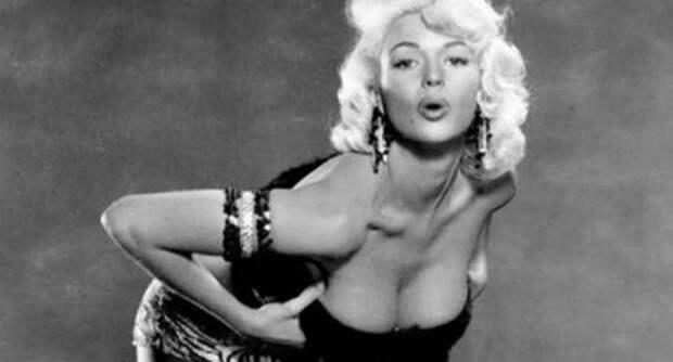 Мэрилин Монро отлично получилась на этих снимках… только ее там небыло
