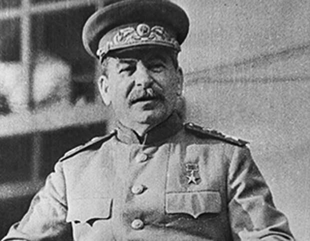 Путин назвал «чушью собачьей» сравнение роли Сталина и Гитлера в развязывании Второй мировой войны