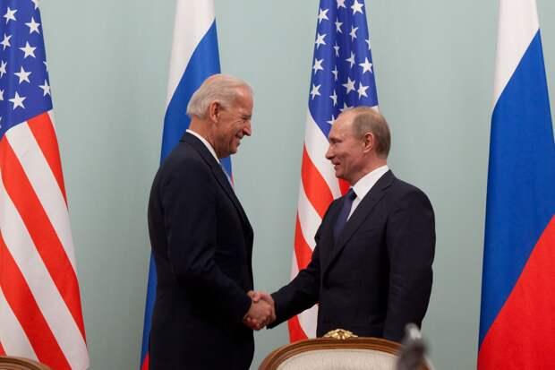 Politico: встреча Путина и Байдена может состояться в Праге или Рейкьявике