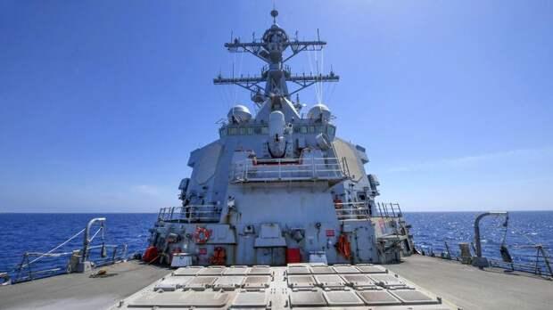 ВМФ отслеживает действия эсминца США в Балтийском море