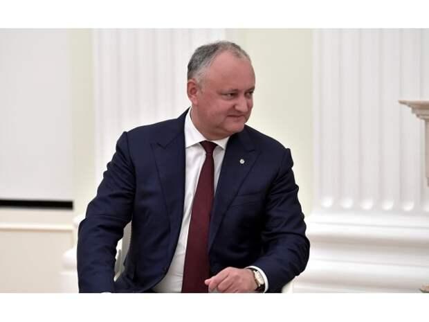 Додон нерукопожатный: о чем Путину говорить с президентом Молдавии?