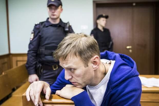 Навальный получил реальный срок по делу «Ив Роше»