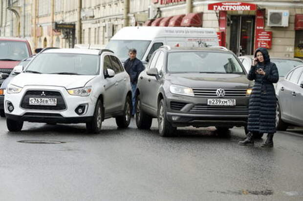 Автовладельцам придется самостоятельно оформлять аварии (даже при разногласиях)