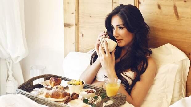Какие продукты врачи запрещают есть натощак, и почему нельзя отказываться от завтрака