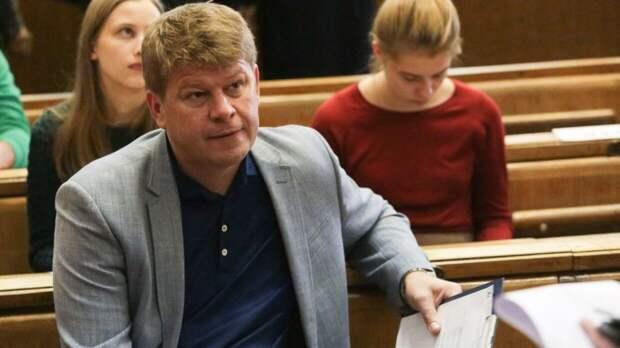 Губерниев шуткой поздравил лыжницу Елену Вяльбе с 53-летием