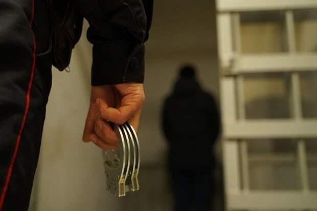 В Крыму женщина изрешетила отверткой и ножом своего друга за побои