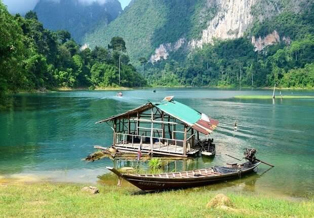 Посылки с мусором начнет отправлять туристам руководство нацпарка Таиланда