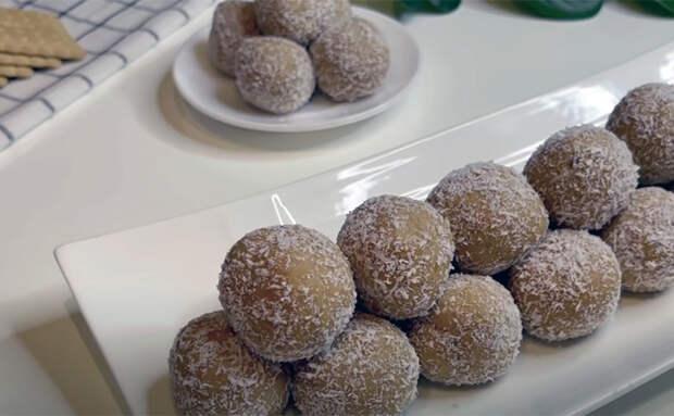 Смешиваем 3 банана и 400 граммов печенья: лакомые шарики готовятся за час, просто лежа в холодильнике