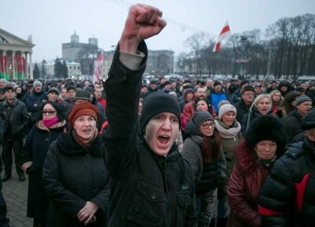 Массовые протесты в Белоруссии – поиск слабых мест режима Лукашенко