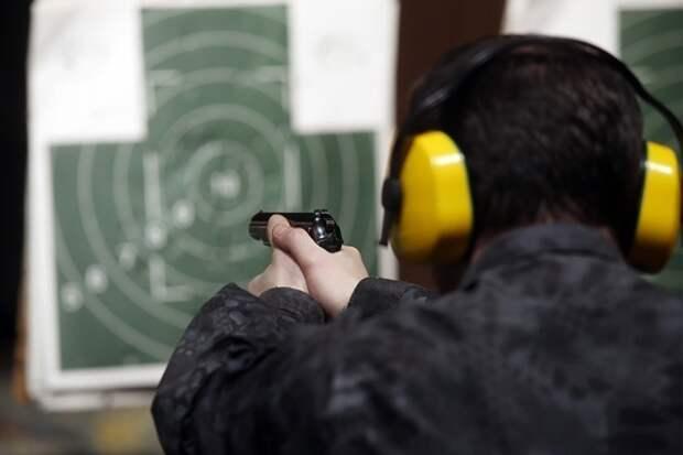 В Росгвардии планируют с помощью врачей выявлять владельцев оружия