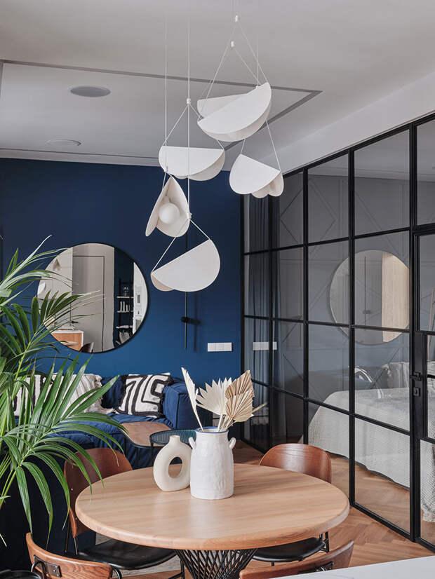 Современная квартира с синими акцентами в Санкт-Петербурге (60 кв. м)