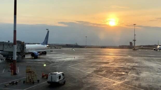 Транспортная прокуратура начала проверку после задержки самолета в Пулково