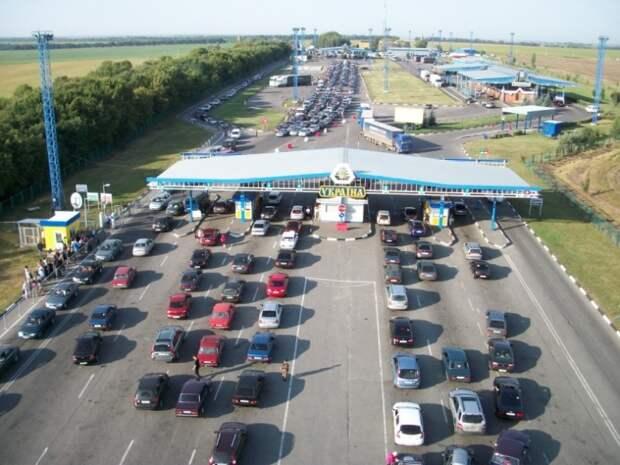 Украинцы нашли лазейку и массово едут на отдых в Крым
