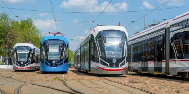 Проходящий по Енисейской трамвай №17 стал самым популярным в столице