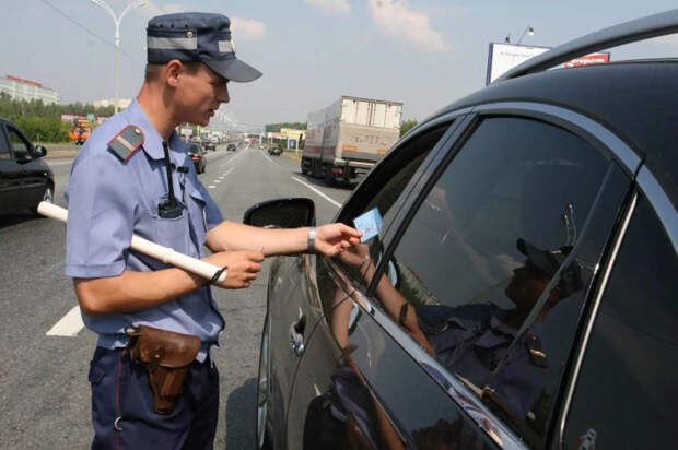 За бампер и фары теперь штрафуют: чего еще ждать автомобилистам
