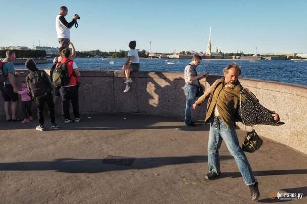 Петербуржцы рассказали, сколько денег нужно для счастья