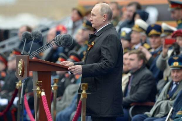 Путин заявил о попытках вновь «поставить на вооружение» идеологию нацистов
