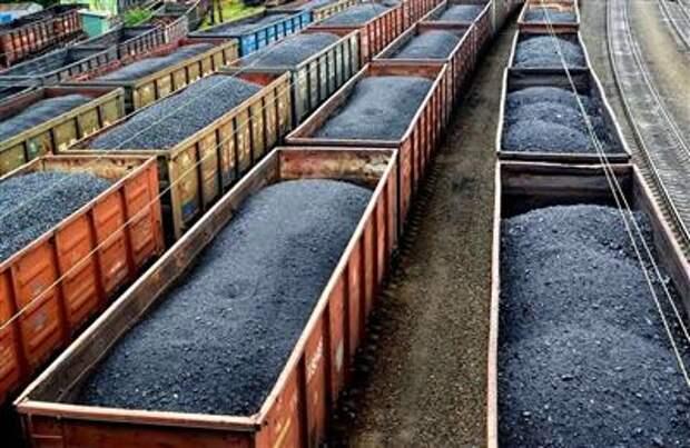 Путин поручил представить предложения по увеличению вывоза угля