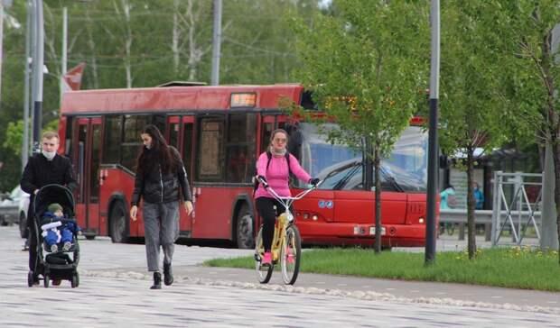 В Казани мужчина пнул коляску с годовалым ребенком