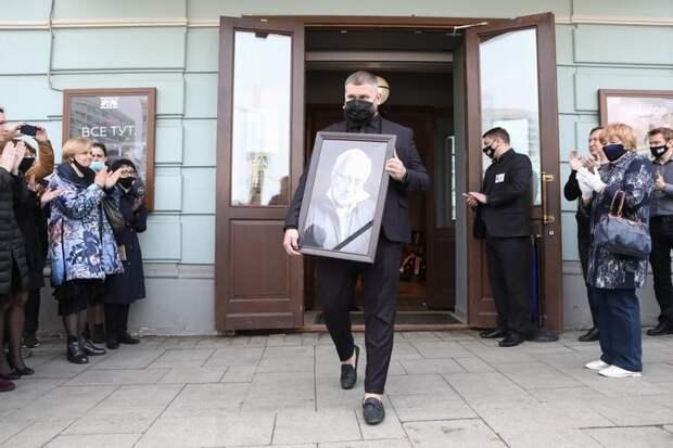 Леонид Ярмольник и Ирина Алферова пришли проститься с Владимиром Качаном