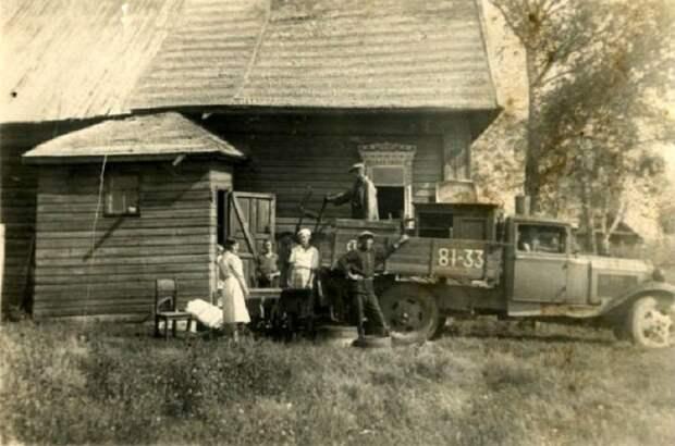 Семейство перед переездом. /Фото: pravmir.ru