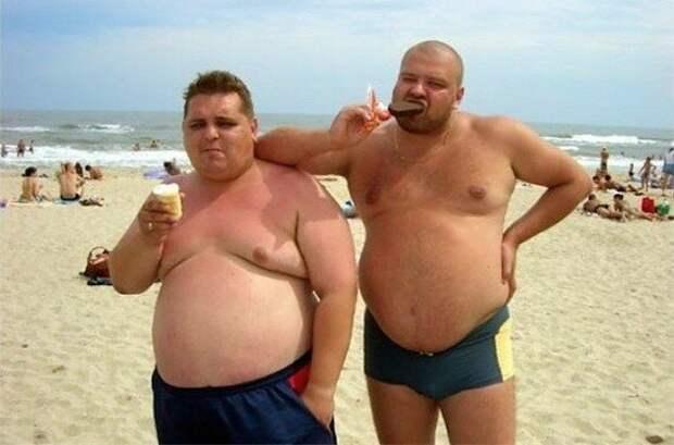 Знойные мужчины. Ищите на всех пляжах страны.