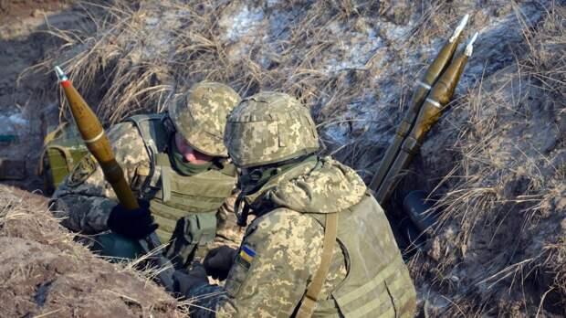 Украинские каратели выпустили по территории ЛНР более 50 гранат