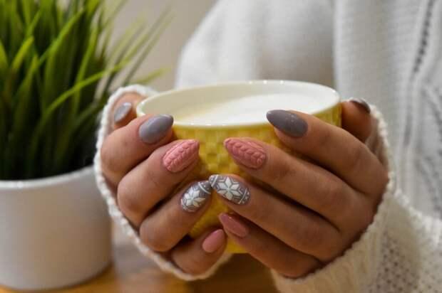 nails-5730756_1280-1024x682 Особенности акрилового наращивания ногтей