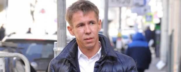 Алексей Панин прогулялся по Испании без трусов