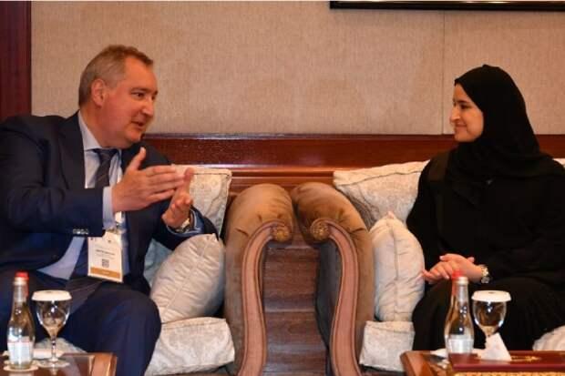 Лунная гонка, МКС и российское лидерство: о чем рассказал Рогозин на форуме в Дубае
