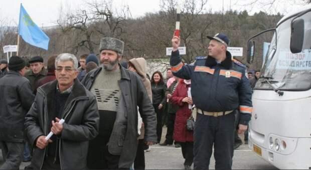 Скандальные учебники по истории Крыма собраны в одном месте и до решения специальной комиссии школьникам выдаваться не будут