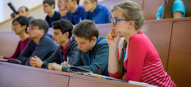 Молодые инвесторы и миллиардеры собрали фонд поддержки студентов Физтеха. В чем их интерес?