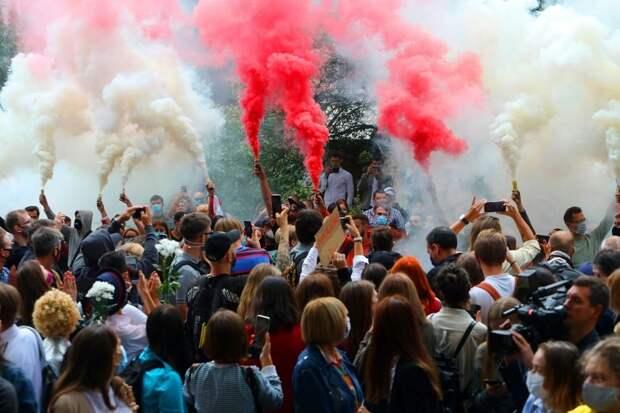 Запад боится и не хочет майдана в Белоруссии больше, чем русский Фейсбук