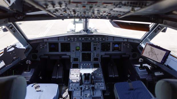 Аэрофлот отказался выплачивать деньги вдове погибшего пилота. Сатановский заявил о подлости