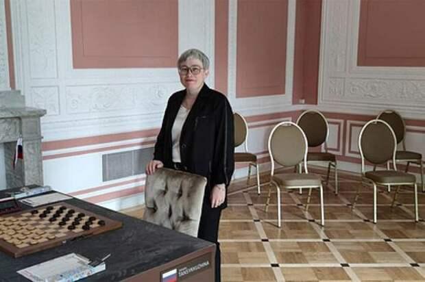 Шашистка Тансыккужина выиграла матч против полячки Садовской после скандала с флагом России