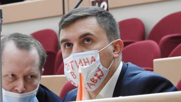 Ему еще и орден дадут: для кандидата в ГосДуму от КПРФ Бондаренко готово убежище на Украине