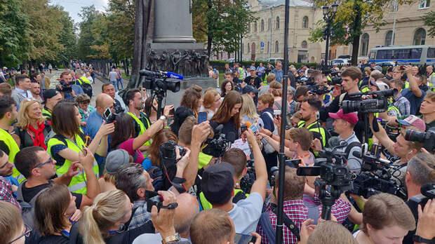 В Москве проходит несогласованная акция протеста