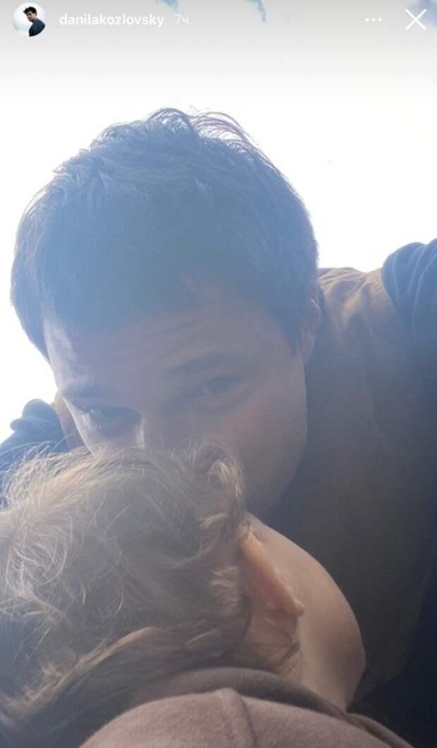 Данила Козловский прилетел к дочери после объявления о разрыве с Ольгой Зуевой